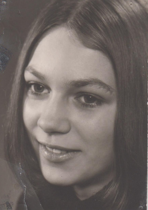 Dagmar Portrait 72